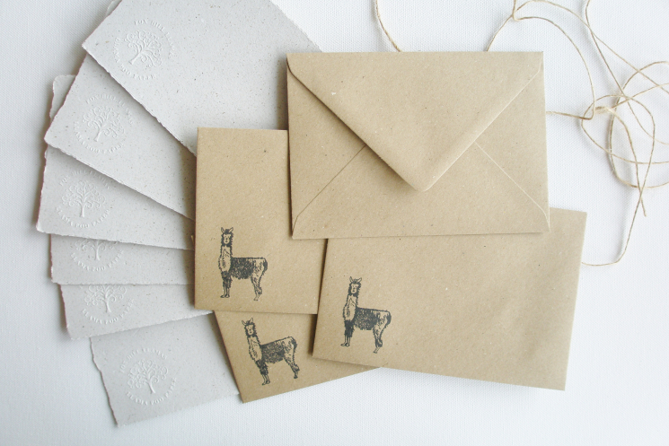 llama writing set