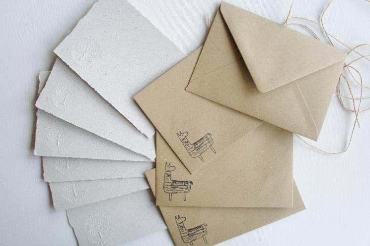 llama letter paper