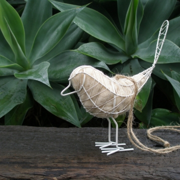 White Bird Nester x 5, Wire Bird with Llama Fibre Nesting Material, Gift for garden, outdoor wedding, bridal goods, wedding products, rustic