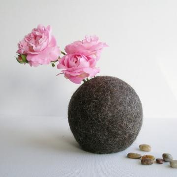 Llama Fibre - Hidden Vase - Bud Vase - Felt Pod Vase - Table Centrepiece - Natural Decor - Unique Vase - Flower Vase