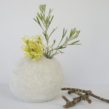 Vase - Llama Fibre - Hidden Vase - Bud Vase - Felt Pod Vase - Wedding Centrepiece - Table Decor - Unique Vase - Flower Vase