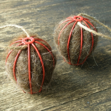 Bird Nesters, Llama Fibre Set of Two. Red Native Bird Nesters in Gift Box