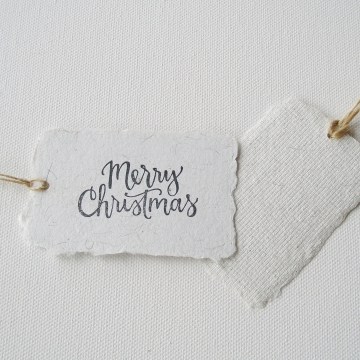8 Merry Christmas String Tags, Llama Fibre with recycled Paper Xmas Tags, To / From Swing Tags with Deckle Edge, Gifting, Calligraphy