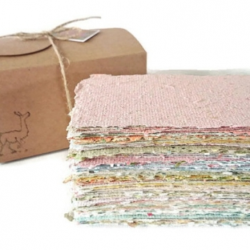 Box of 100 sheets of handmade recycled paper