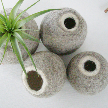Set of 4 Llama Fibre Pods - Grey and White