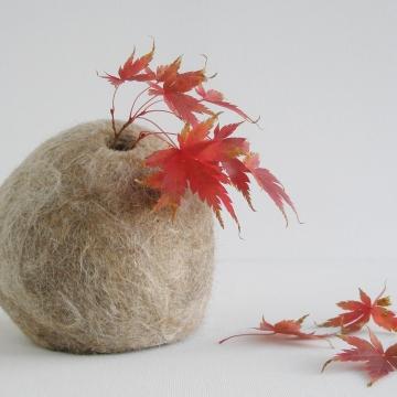 Soft Vase, Llama Fiber, Hooded Vase, Stem Vase, Flower Vase, Neutral Decor, Felt Vase, Rustic Decor, Hidden Vase, Llama Gift, Animal Fibre